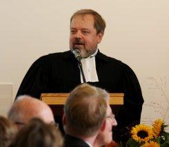 Pfarrer Frank-Uwe Kündiger, Gemeindehaus an der Martinskirche, Einweihung des neuen Gemeindehausneubaus 2010, (c) maximilian lichtenberg